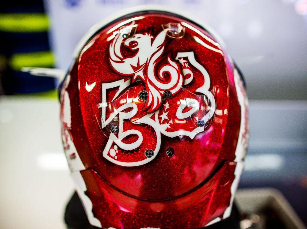 Sean merayakan momen spesial ini dengan desain helm yang baru. Foto: Peter Fox/Getty Images
