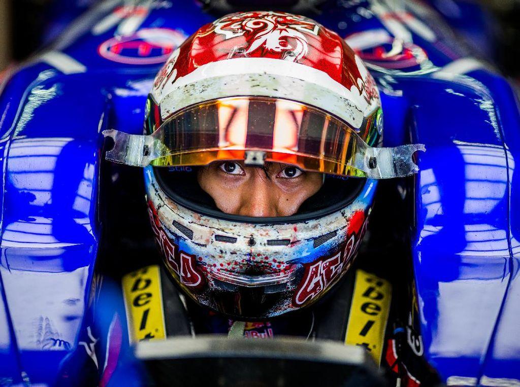 Sean yang berstatus pebalap tes Toro Rosso sebelumnya berkesempatan menjajal mobil STR12 dalam tes di Bahrain dan Hongaria. Foto: Peter Fox/Getty Images