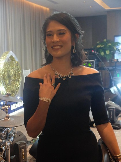 Terungkap, Perhiasan yang Selalu Dipakai Dian Sastrowardoyo