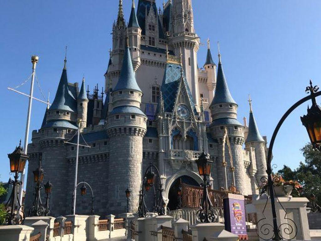 3 Kata yang Terlarang Diucapkan Karyawan Disney World