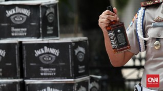 Bea Cukai: Wajib Lapor Stok 'Botol' Demi Kendalikan Miras
