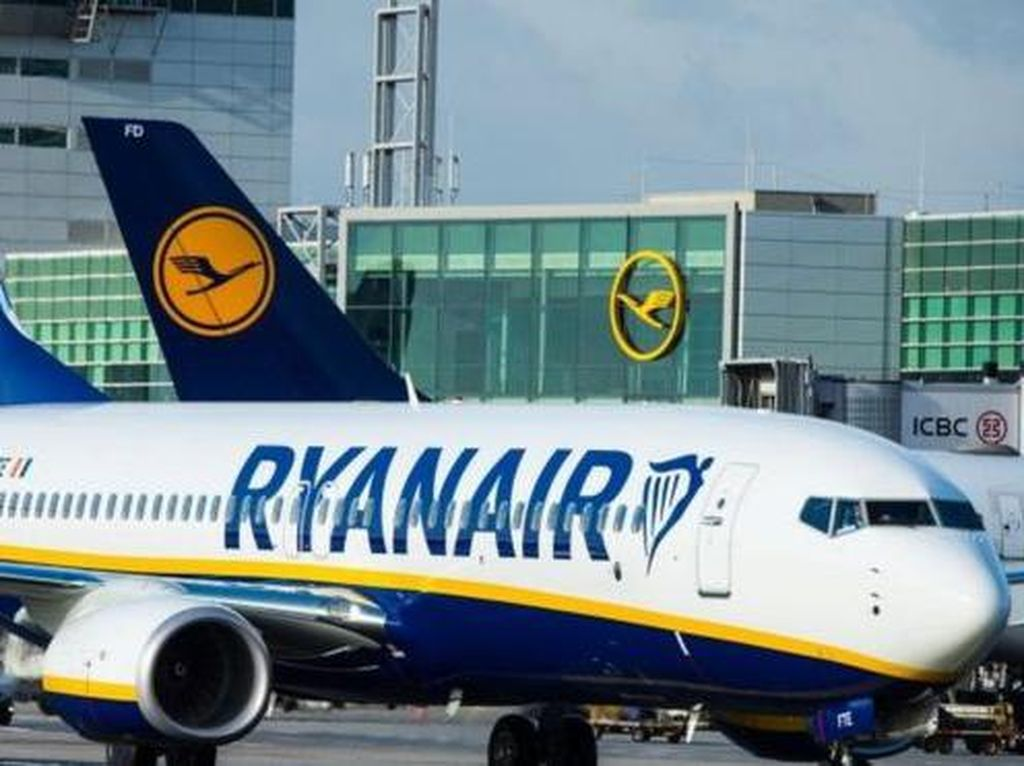 Belasan Penumpang Ketinggalan Pesawat, Maskapai Disebut Tak Becus