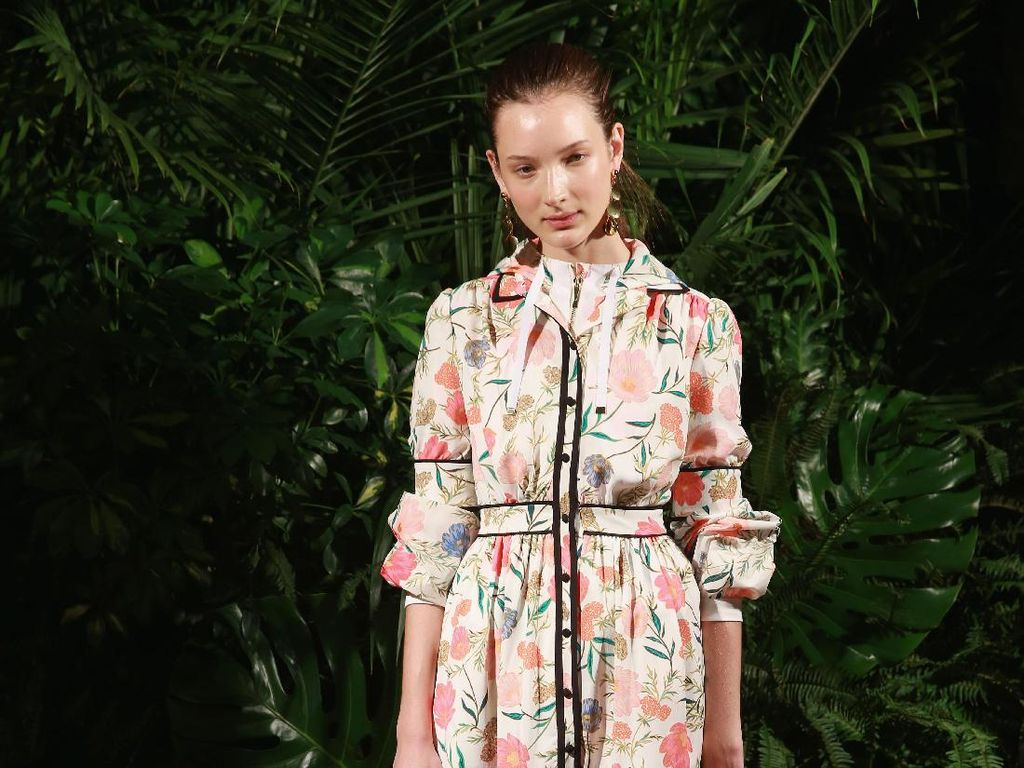 Foto: 20 Koleksi Terbaru Kate Spade di New York Fashion Week 2017