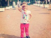 Bila kondisinya tertutupi, Virsaviya sekilas terlihat tidak jauh berbeda dari anak biasa. (Foto: Instagram/dariborun)