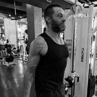 Tuh lihat, otot tangan Hugh sudah cukup membesar dengan rutin latihan. (Foto: instagram/@thehughjackman)