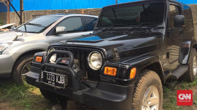 Memburu Lelang Mobil Sitaan Bekas Koruptor untuk Bantu Negara