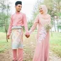 Adam Muzaini Schneider adalah seorang desainer tunarungu dari Malaysia. Ia menikah dengan wanita yang juga seorang tunarungu. (Foto: Instagram/adammuzainiofficial)