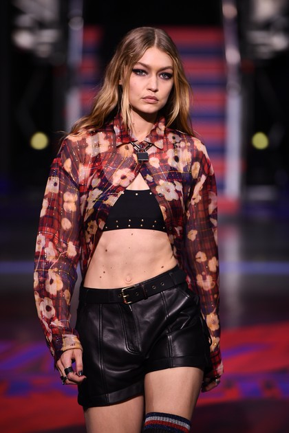 Ditolak di China, Gigi Hadid Batal Tampil di Fashion Show Victorias Secret