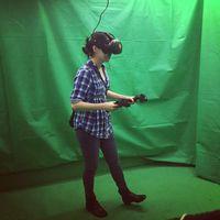 Alat virtual reality bisa beragam bentuk, namun pada dasarnya mereka berfungsi untuk memberikan input sensoris. Dengan demikian seseorang dapat merasa berada di 'dunia' yang lebih luas. Foto: Instagram