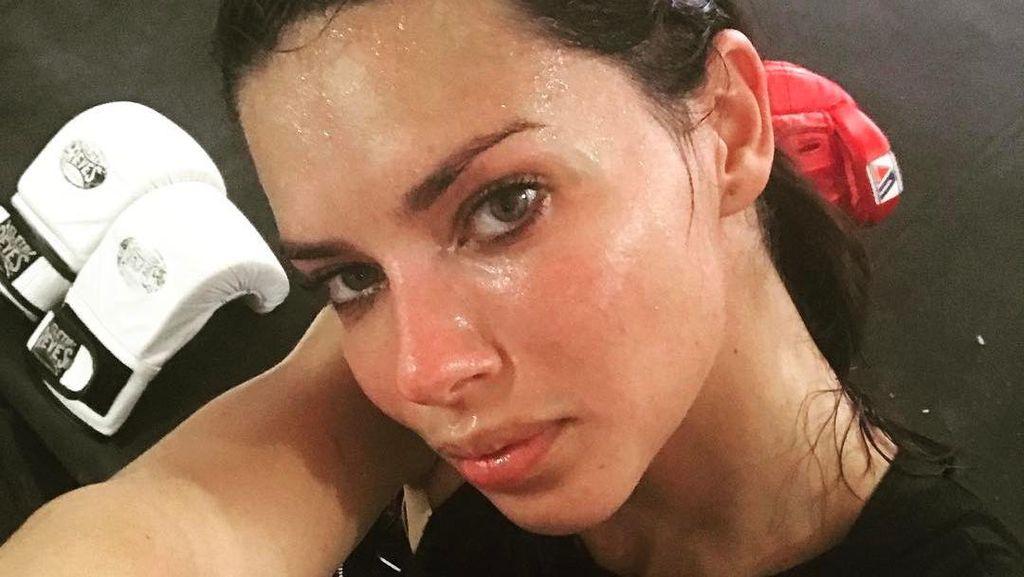 Gaharnya Para Seleb Cantik yang Memilih Boxing untuk Usir Stres