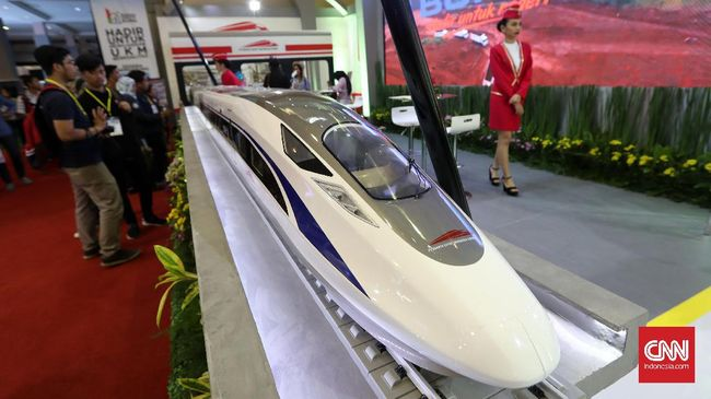 Ada Pengendalian Impor, Proyek Kereta Cepat Tetap Jalan