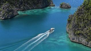 Keberadaan Kapal Besar Ancam Bawah Laut Raja Ampat