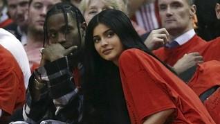 Kylie Jenner-Travis Scott Tepergok Jalan Bareng Tanpa Stormi