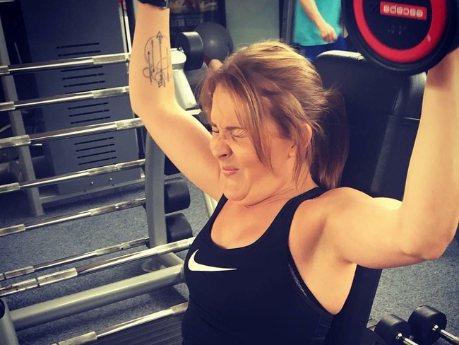 Foto: Ekspresi Kocak Orang-orang Saat Latihan Beban di Gym