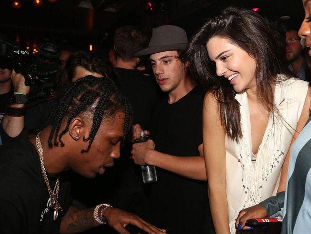 7 Fakta Tentang Travis Scott, Pria yang Diduga Menghamili Kylie Jenner