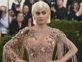 Kylie Jenner Bantah Hamil Anak Kedua
