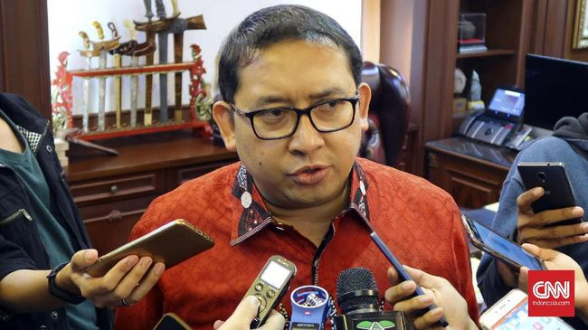 Fadli Zon: Elektabilitas Jokowi Rendah Dibandingkan Duterte