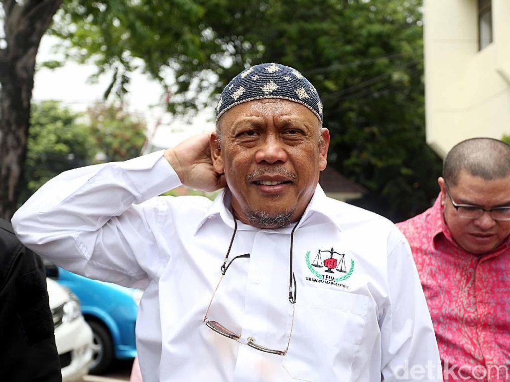 Dewan Pembina Presidium Alumni 212 Eggi Sudjana mengakui ada kekecewaan terhadap partai Gerindra, PKS dan PAN berkaitan dengan Pilkada serentak. Namun dia memilih untuk mengkomunikasikan tindakan selanjutnya ke Habib Rizieq Syihab/Foto: Rengga Sancaya