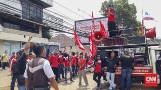 Serikat Pekerja 7-Eleven Kembali Tagih Pesangon