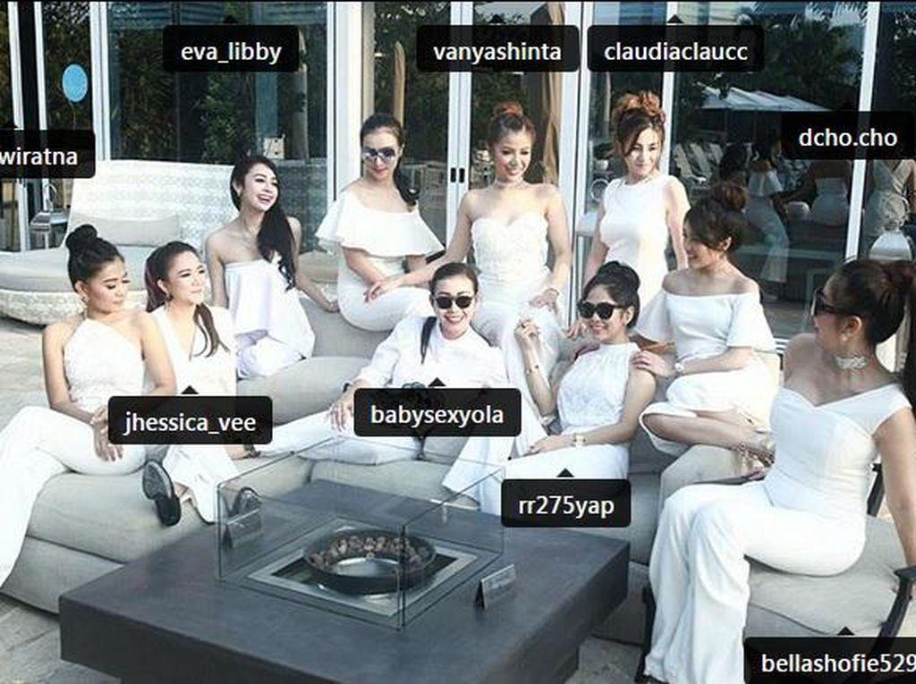 Anggotanya pun berasal dari bermacam profesi seperti penyanyi, model Vanya Shinta hingga seorang pramugari. (Dok. Instagram)