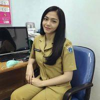 Dalam salah satu unggahan fotonya pada April lalu, terlihat Milka bekerja sebagai dokter internship di salah satu Puskesmas di Jakarta. (Foto: instagram/milkanisa)
