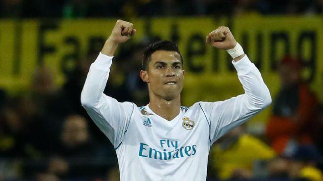 Cristiano Ronaldo Tak Mau Bicarakan Kontrak di Real Madrid