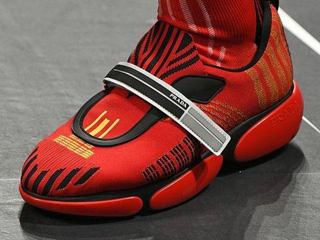 Foto: 10 Sepatu yang Mencuri Perhatian dari Milan Fashion Week