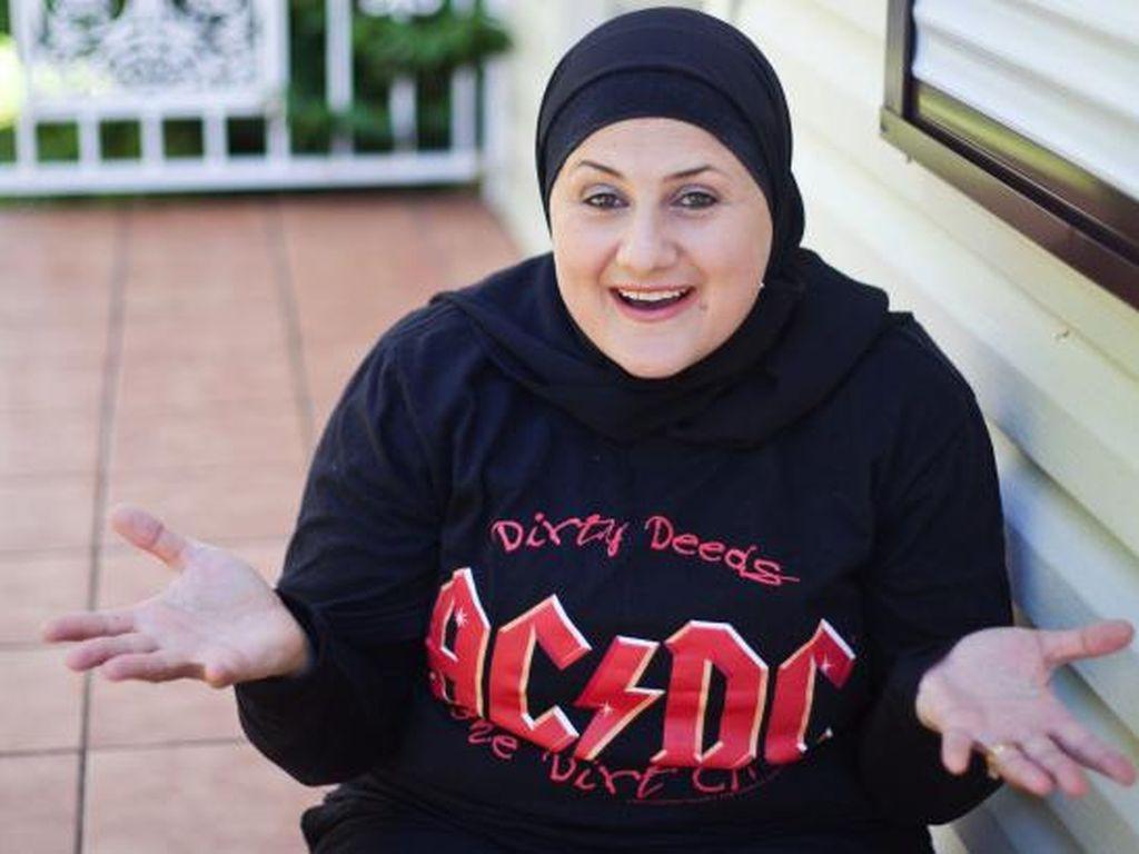 Mengenal Frida Deguise, Satu-satunya Komedian Berhijab di Australia