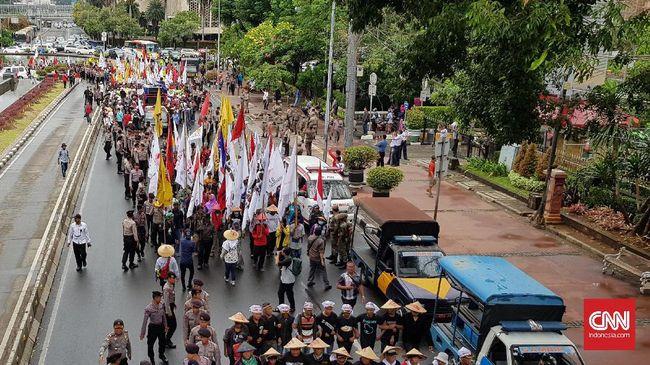 Petani Ngotot Ingin Bertemu Jokowi Langsung di Istana