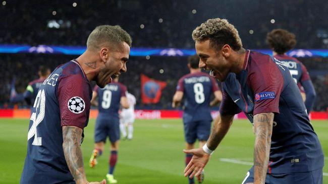 Kaya dan Terkenal, Neymar Disamakan Alves dengan Ronaldo