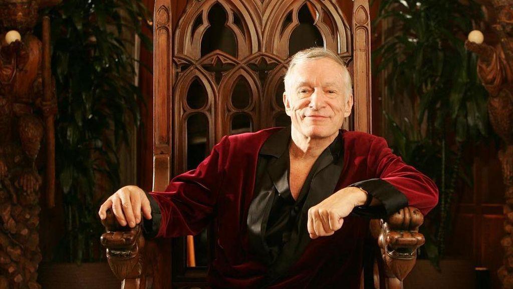 Potret Keluarga Panjang Umur Hugh Hefner si Bos Playboy