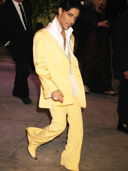 Sepatu Boots Kuning Milik Prince Ini Laku Rp 1 M Saat di Lelang