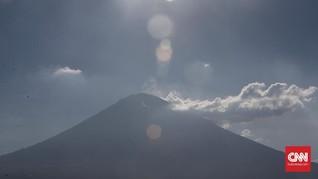 Netizen Saling Mendoakan Saat Gunung Agung Meletus