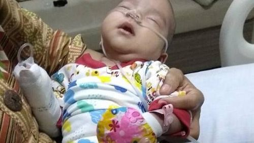 Viral! Ungkapan Kemarahan Seorang Ibu yang Anaknya Sakit Karena Rokok
