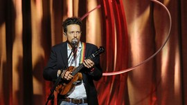 Jason Mraz Jajal Karier di Broadway Lewat 'Waitress'