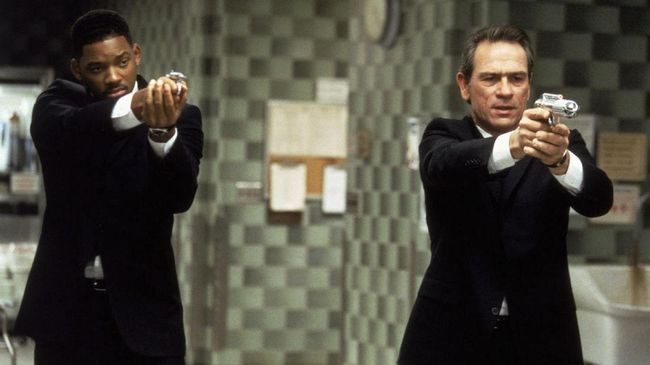 Tommy Lee Jones-Will Smith 'Penjaga Bumi' yang Tak Terganti