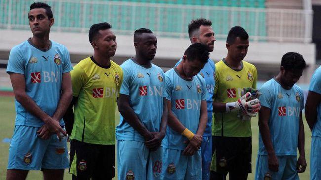 Bhayangkara FC, Juara yang Dihujat