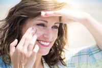 Arlene Noodleman, MD, dari Age Defy Dermatology and Wellness Center, Campbell, California menuturkan penggunaan krim tabir surya terutama yang mengandung vitamin C bisa membantu kulit memperbaiki dirinya sendiri akibat kerusakan dari sinar matahari. Foto: Thinkstock