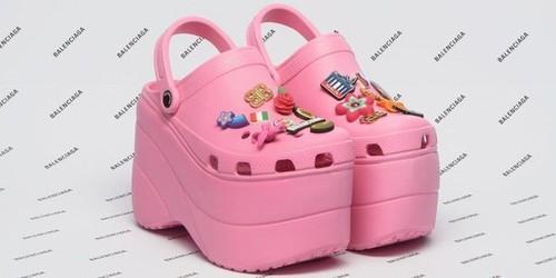 Balenciaga Buat Sepatu Mirip Crocs dengan Hak Tinggi, Netizen Nyinyir