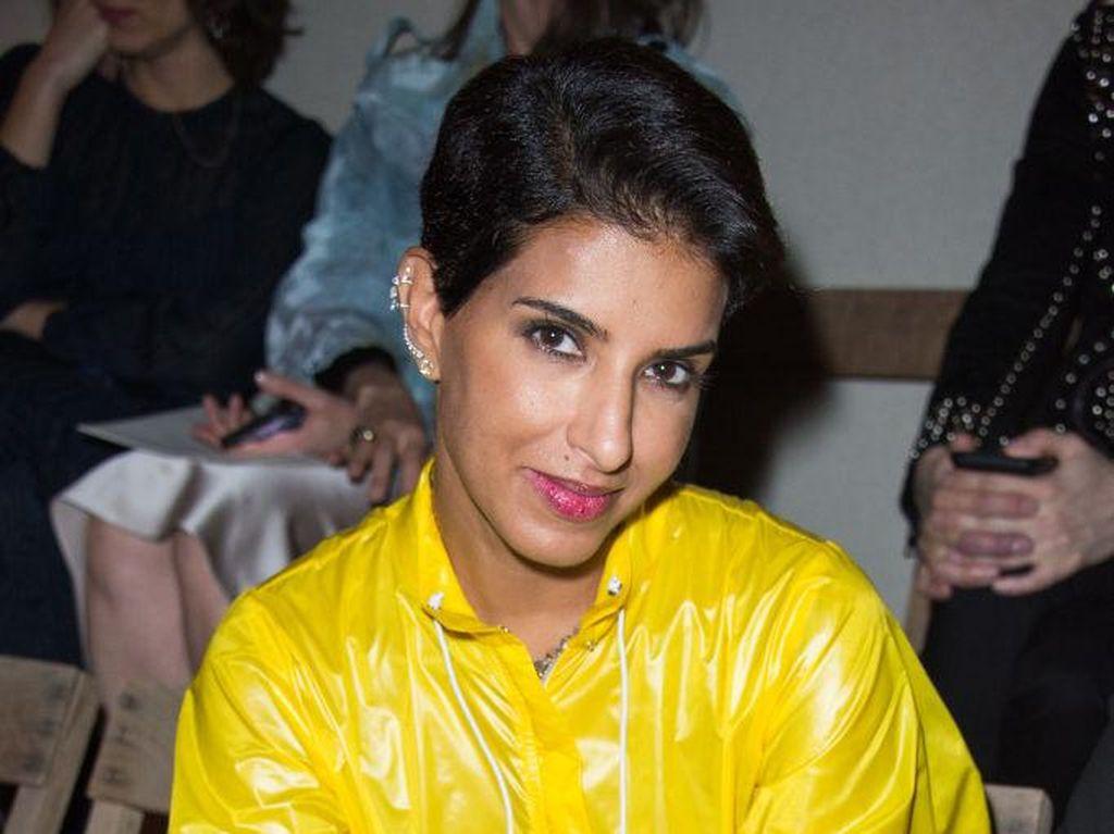 Foto: Deretan Selebriti Termodis di Front Row Paris Fashion Week