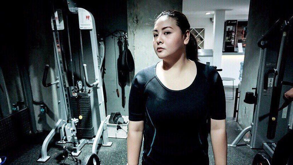 Ciat! Audy Uwais Tendang Bobot Berlebih dengan Nge-Gym