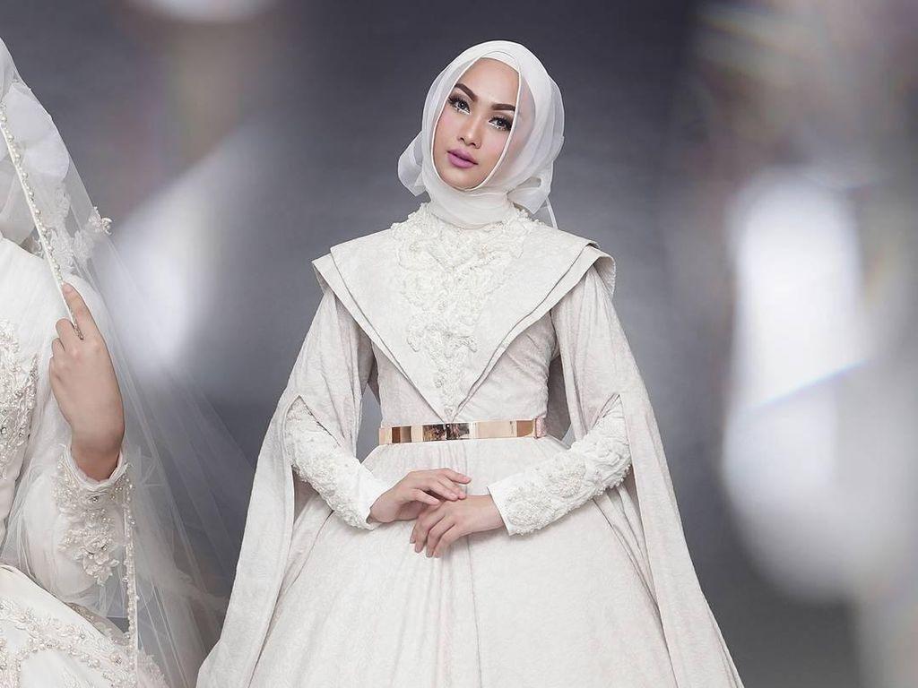 Foto: 20 Inspirasi Gaun Pengantin Syari yang Cantik dan Modern