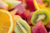Urusan buah-buahan masih harus diseleksi dengan baik. Buah yang jadi rekomendasi antara lain zaitun hijau (1 gram net karbo), zaitun hitam (3,1 gram net karbo), stoberi (5,7 gram net karbo) dan alpukat (2 net karbo) untuk setiap sajian 100 gram. Tapi hati-hati, karena kalori yang dimiliki alpukat tergolong tinggi. (Foto: Thinkstock)