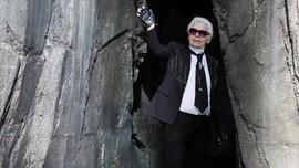 Karl Lagerfeld Meninggal Dunia