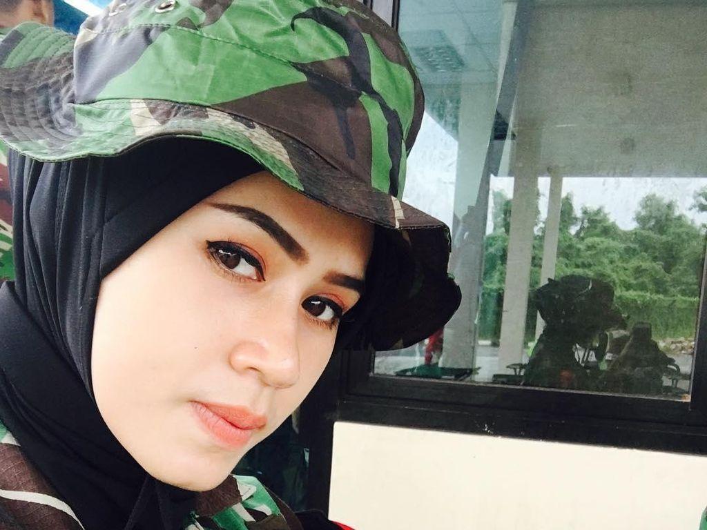 Foto: Ini 7 TNI Cantik Berhijab