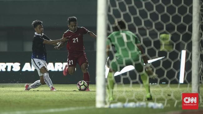 Dua menit setelah gol Lerby Eliandri, Timnas Indonesia menambah keunggulan lewat Rezaldi Hehanusa. Gol Rezaldi tak lepas dari peran Andik Vermansah yang melakukan tusukan ke kotak penalti lewat aksi individunya. CNN Indonesia/Adhi Wicaksono.