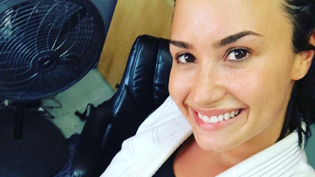Begini Aksi Demi Lovato Praktikkan Jiu Jitsu Brasil untuk Kesehatan