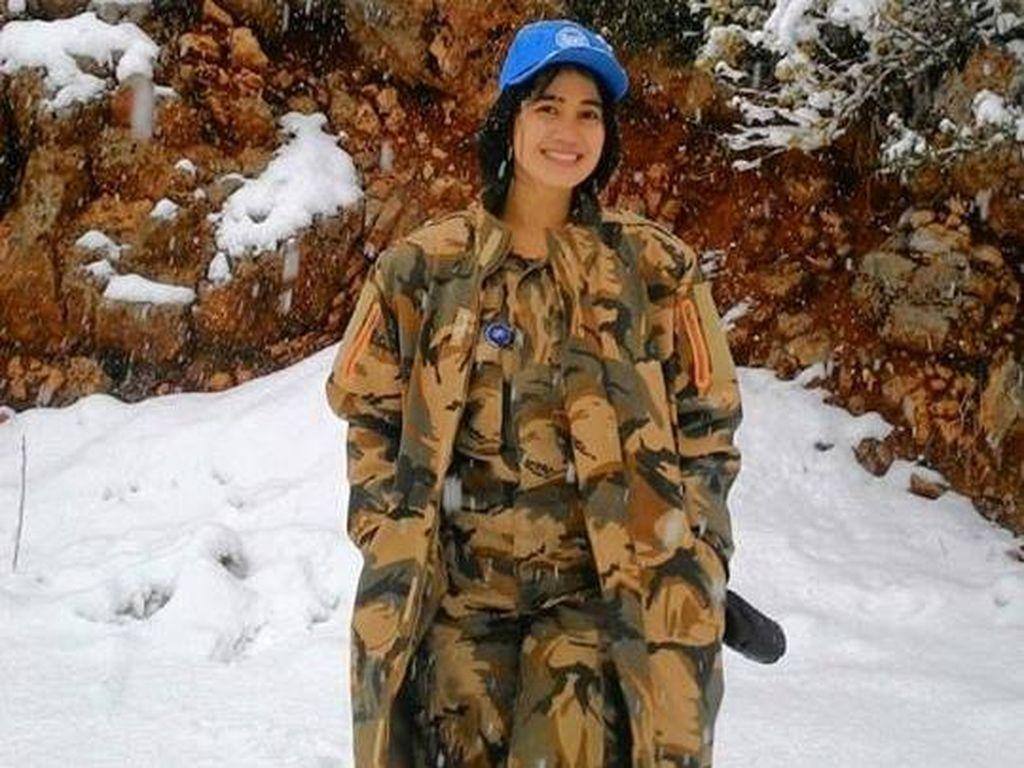 Ini Estarina, TNI Cantik yang Curi Perhatian Netizen Saat Bertugas di Lebanon