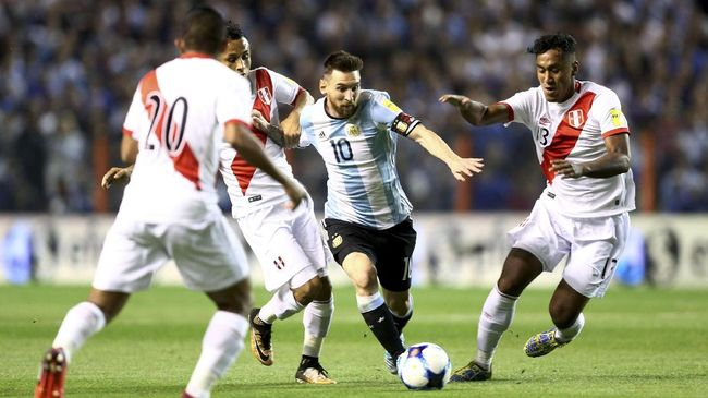 Presiden AFA Minta Messi Tidak Banyak Bermain untuk Barcelona