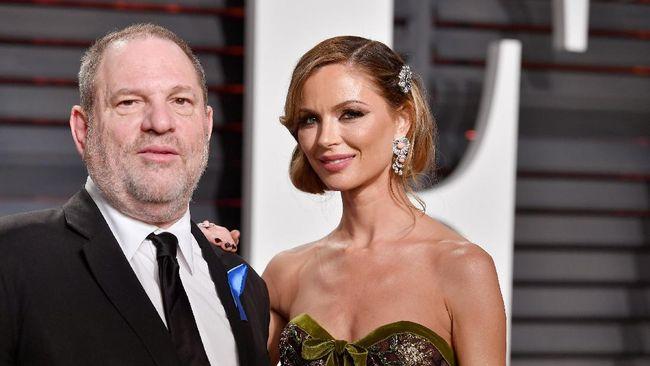 Tangis Istri Harvey Weinstein saat Skandal Seks Terkuak
